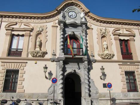 La Policía detecta anomalías en el caso de adjudicación de una residencia que pagó un coche a una concejala de Almería
