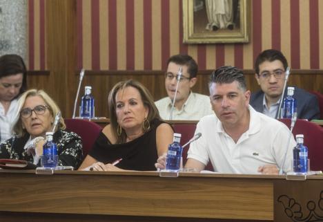Dimiten 5 de los 9 miembros de la dirección de C's en Burgos y dimite la secretaria de organización de Ciudadanos en Gran Canaria.