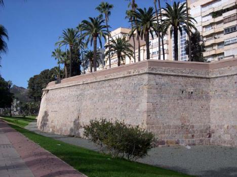 Muralla de San Carlos : Las fuertes lluvias de los últimos días provocan el derrumbe parcial del Baluarte nº 9 de la Muralla