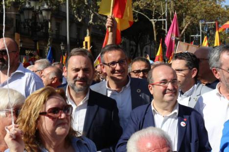 """Diego Conesa defiende en la marcha democrática de Barcelona """"un proyecto común y plural para una España en la que cabemos todos"""""""
