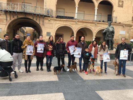 El Ayuntamiento de Lorca pone en marcha, a través de la Concejalía de Sanidad, una campaña para el fomento de la adopción de mascotas también en estas fechas navideñas