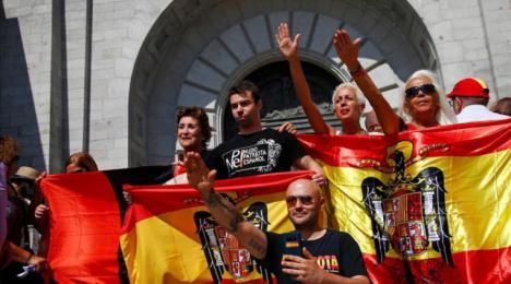 Última hora: Se confirma lo que la prensa de derechas vaticinaba: El Supremo paraliza la exhumación de Franco por unanimidad