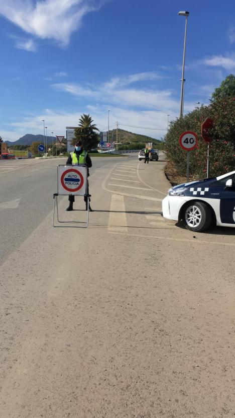 La Policía Local de Lorca interpuso este pasado fin de semana un total de 73 denuncias por no respetar las medidas sanitarias