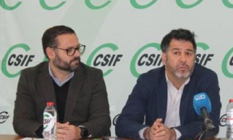 La Junta de Personal Docente no universitaria de la provincia de Almería, preocupada por la falta de información oficial en el proceso de vacunación del profesorado