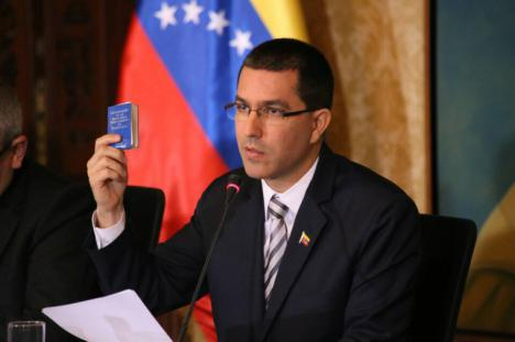 Maduro da 72 horas al personal diplomático de EE.UU para salir de Venezuela.