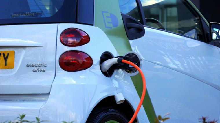 El PSOE propone incentivos de hasta 7.000 euros para la adquisición de vehículos eléctricos
