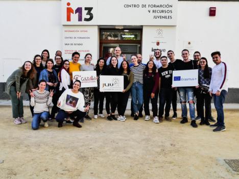 Trabajadores y líderes juveniles de Hungría, Ucrania, Túnez, Jordania, Macedonia y España, entre otros paises, participan estos días en Lorca en un curso sobre Derechos Humanos