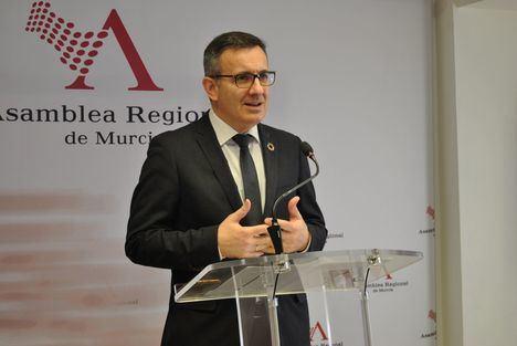 El PSOE pide en la Asamblea una comisión especial para la reactivación económica y social de la Región