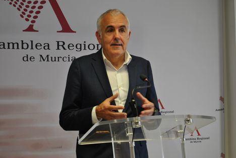 """Martínez Baños: """"Hay que modificar el sistema de financiación autonómica, pero también analizar el modelo productivo y mejorar la gestión de los servicios públicos"""""""