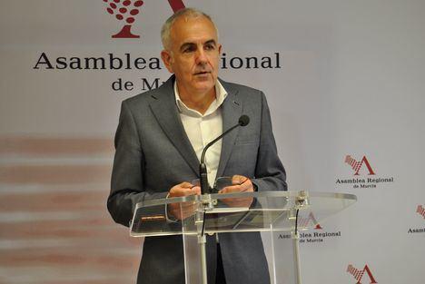 """Martínez Baños: """"La reforma del sistema de financiación autonómica no es suficiente para solucionar el déficit en la Región"""""""