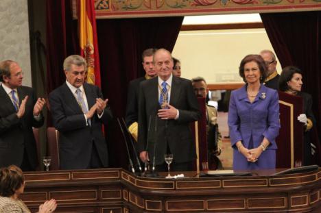 Unidos Podemos quiere al Rey Juan Carlos en el Congreso y le envía una carta para comparezca y dé explicaciones