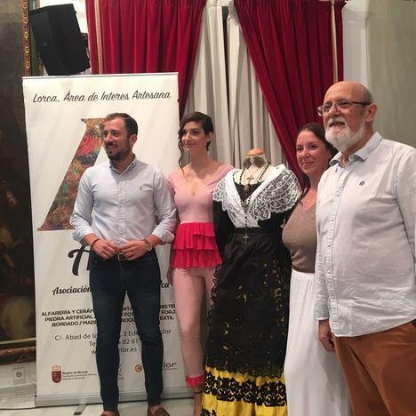 Miss Murcia 2019, Sandra Grohs, lucirá artesanía regional en el Certamen Miss Mundo España que se celebrará del 9 al 18 de agosto en Melilla