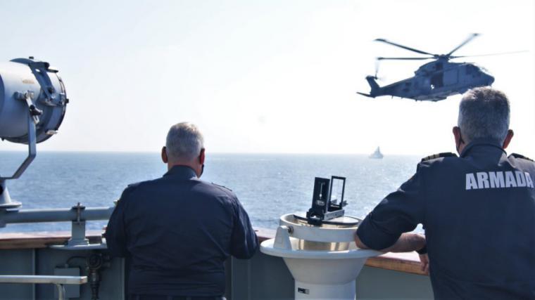 """El """"Vigía"""" realiza ejercicios con una fragata de la Marina Italiana en aguas del Golfo de Guinea"""