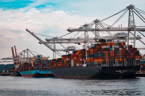 Las exportaciones crecen un 40% en abril hasta los 3.066 millones y sitúan a Andalucía con un incremento del 9,6%
