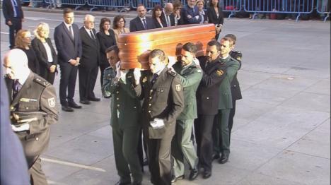 España se vuelca en el adios a Rubalcaba