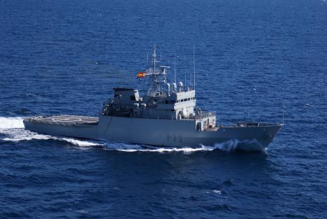 """El Patrullero de Altura """"Vigía"""" de la Armada Española hace escala en el puerto de Dakar (Senegal)"""