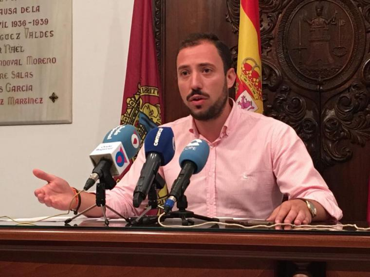 """El concejal de Empresas Públicas, Francisco Morales, lamenta que """"intereses partidistas"""" bloqueen el buen funcionamiento de la empresa Limusa"""