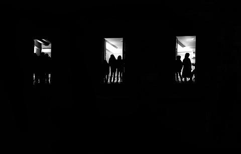 """El concurso de Fotografía """"CREAENCASA"""" puesto en marcha por la Universidad Popular de Lorca ya tiene ganadores, Oscar Emilio Barrera por su foto 'Cassetes' y Mauro Bersanker por su trabajo 'Balcones'"""