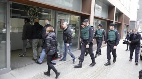 La Guardia Civil registra el Parlament en busca de pruebas sobre la malversación en el 1-O