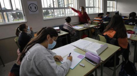 CSIF ofrece a los docentes orientaciones sobre la ventilación de las aulas durante la pandemia a través de un webinar que imparte Javier Pérez Soriano