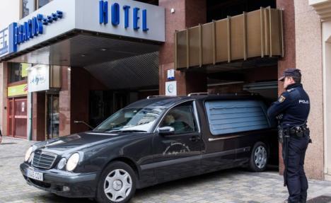 La policía busca a la abuela de la niña hallada muerta en un hotel de Logroño