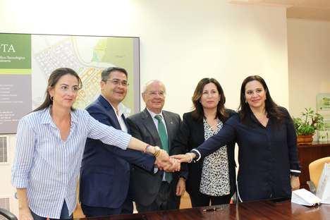 El presidente de Honduras visita el PITA para conocer la innovación en la agricultura
