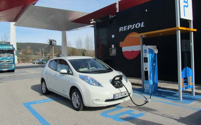 Un enchufe ultrarrápido cargará los coches eléctricos en tan solo 6 minutos
