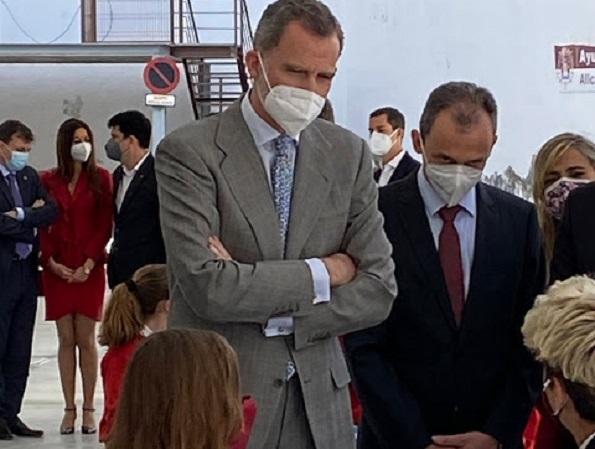 Felipe VI asiste en Alicante a la proclamación del premio de ciencia de la Fundación 'Princesa de Girona' a César de la Fuente Núñez