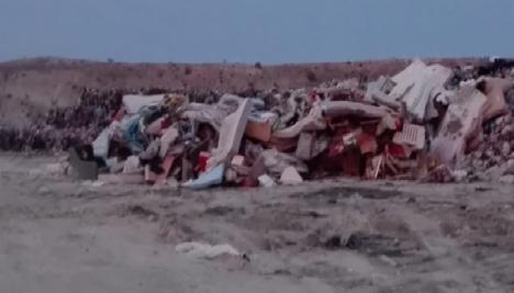 El Portavoz del PSOE de Albox denuncia que en el Vertedero nos llega que se está enterrando los voluminosos en lugar de reciclarlos.