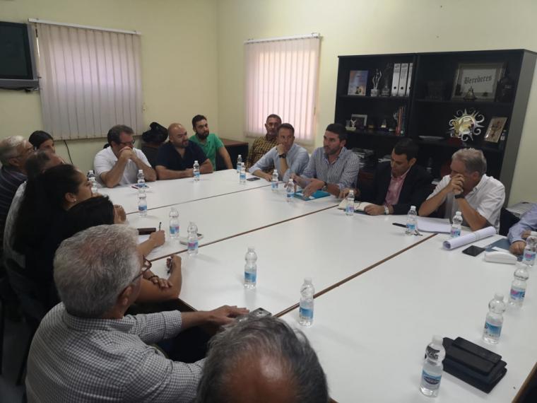 Fulgencio Gil exige a todas las administraciones que las obras del Canal del Saladar se hagan por vía de urgencia y contando con la opinión de los vecinos