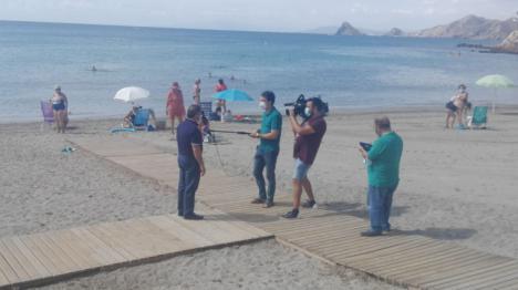 """Jubilados nacionales y extranjeros deciden afincarse en Calabardina como """"zona segura"""" frente al Covid19"""