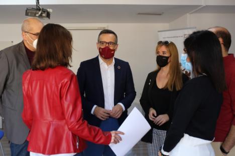 """Diego Conesa: """"El PSOE defenderá siempre la dignidad de nuestros mayores y el trabajo decente sin miedo de los profesionales sociosanitarios"""""""