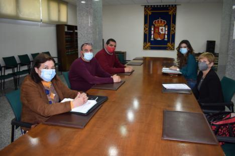 UGT-FICA Melilla aborda la dramática situación de los trabajadores de la construcción y el de los transfronterizos con la Delegada del Gobierno de España Sabrina Moh