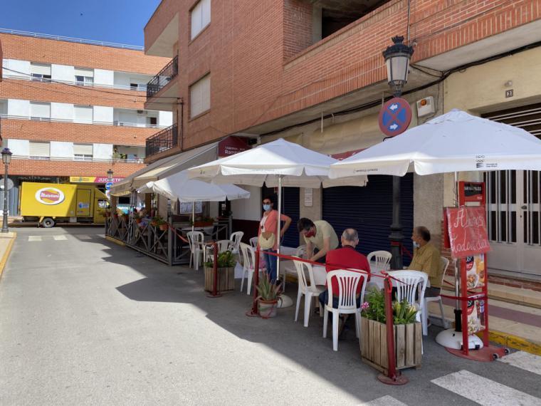 El Ayuntamiento de Puerto Lumbreras permite a las terrazas del municipio ampliar su superficie sin inversión adicional