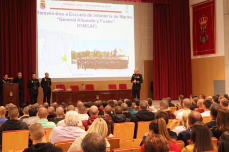 """La Escuela de Infantería de Marina """"General Albacete y Fuster"""" forma 182 nuevos Infantes de Marina"""
