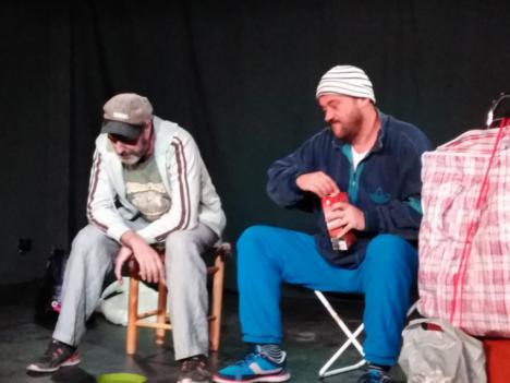 'TRASPASO DE NEGOCIO' La obra de teatro de Celso Ortíz se estrena con gran éxito en el espacio escénico almeriense de La Oficina