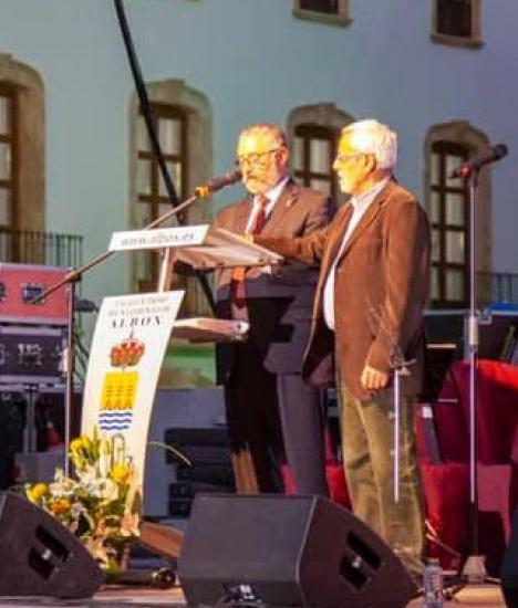 Editorial:La innecesaria inauguración del nuevo Ayuntamiento de Albox