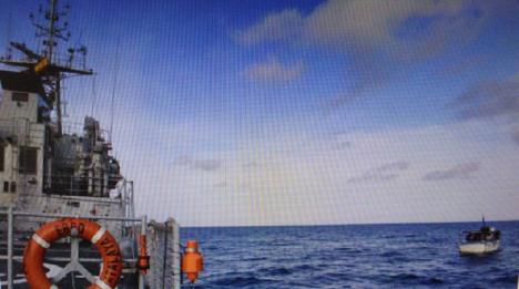 El patrullero 'Atalaya', desplegado en África Occidental y Golfo de Guinea, ha asistido a un pesquero con bandera angoleña que permanecía a la deriva