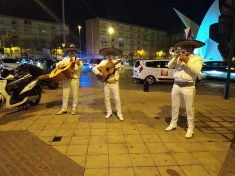 Los mariachis le dieron la noche a Fran Hervías a su llegada a Murcia