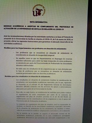 La descoordinación en la Universidad de Sevilla ha puesto en riesgo innecesario a sus alumnos