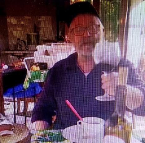 El alcalde de Albox frivoliza con la COVID brindando en video que ha subido a Fecebook