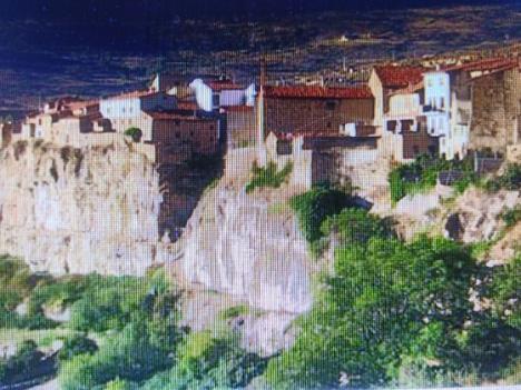'Viaje al Maestrazgo', por Pedro Cuesta Escudero, autor de Atrapado bajo los escombros