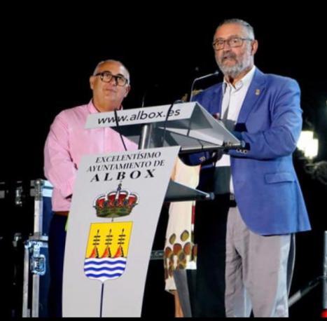 El PSOE de Albox denuncia un nuevo abuso del Alcalde Francisco Torrecillas que incrementa la plantilla ilegalmente en 5 empleados más donde figura su hija y aumenta el personal laboral fijo de 22 a 39.