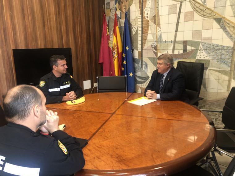 Reunión del Delegado del Gobierno en la Región de Murcia con el Jefe del III Batallón de la UME, el Teniente Coronel coronel Olaf Clavería