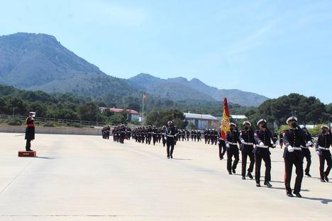 """116 aspirantes a soldado profesional juran Bandera en la Escuela de Infantería de Marina """"General Albacete y Fuster"""""""