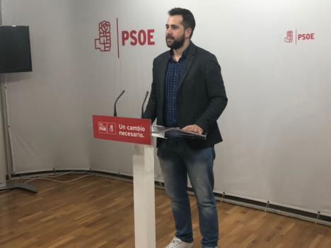 """Jordi Arce: """"López Miras se debe a Vox y a lo que diga Abascal, que es su único jefe, y por eso ha tragado con todas sus exigencias"""""""