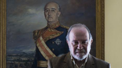 El General Chicharro presidente de la Fundación Nacional Francisco Franco, junto a su primo Ortega Smith, promotores del manifiesto militar contra Pedro Sánchez