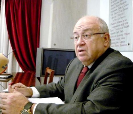 El Ayuntamiento de Lorca muestra sus condolencias por el fallecimiento del que fuera Alcalde de la ciudad, Leoncio Collado