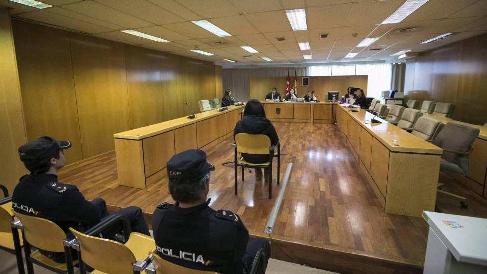 La Audiencia Provincial de Ourense condena a una mujer a ...