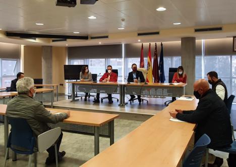 La Mesa del Ferrocarril analiza la situación de los proyectos ferroviarios previstos para el municipio de Lorca